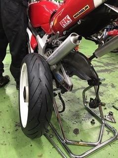 ミドルクラスバイクにPIRELLI DIABLO ROSSO IIIを履いてツーリングに出かける