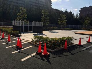 二輪駐輪場に謎の広場が・・・