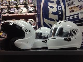 レーシングカートやジムカーナ、サーキットをお楽しみの皆さま必見! Arai 4輪用ヘルメット取扱い中!!