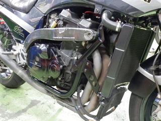 ダウンチューブ装着 スタッフのGPZ900R