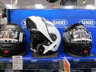 すごいヘルメットが入荷ました!!