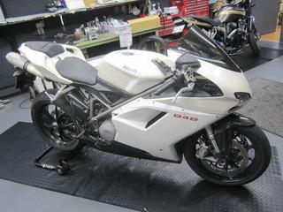 DUCATI スーパーバイク848 タイヤ交換作業
