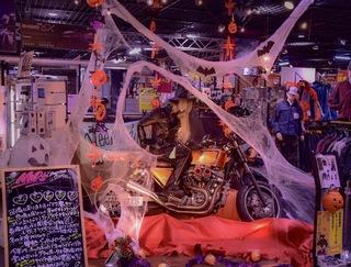 【Mikity】からの提案!! 10月は、ハロウィンを楽しもう 仮装レディースライダー現る?!