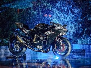 市販バイクの300Km/hを超える最速車両をご紹介!