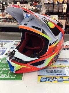 ALL-NEW FOX V1 ヘルメット!