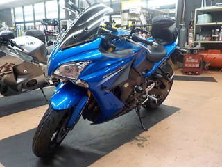 SUZUKI GSX-S1000F MICHELIN ROAD5 タイヤ交換