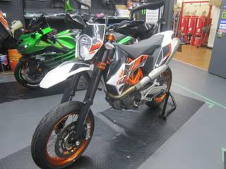 KTM【690SMC-R タイヤ交換】ブリヂストン S20EVO