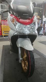 ホンダ PCX ブリヂストン バトラックスSC タイヤ交換