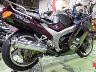 カワサキ ZZR1100『タイヤ交換』ダンロップ ロードスマート2