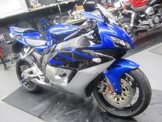 HONDA【CBR1000RR タイヤ交換】ブリヂストン TS100