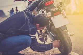 バイク洗車後、エンジンがかからない!原因と対処法とは?