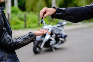 バイクの免許取得にかかる費用はどのぐらい?