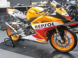 HONDA【CBR250RR タイヤ交換】ダンロップ α-14