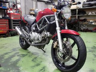 ホンダ VTR250『タイヤ交換』IRC RX-02