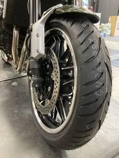 カワサキ Z900RS ブリヂストン T32 前後タイヤ交換