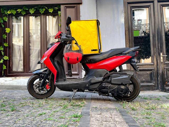 デリバリー仕事や街乗り通勤がメインの方にオススメ! オートバイ用品のご紹介