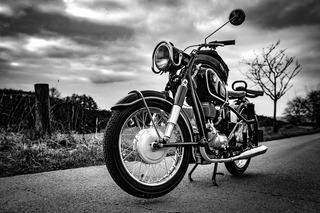【バイクヒストリア】航空機用エンジンメーカーから始まった「BMW」