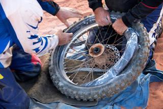 バイクのチューブタイヤ交換で知っておくべき7つのポイント