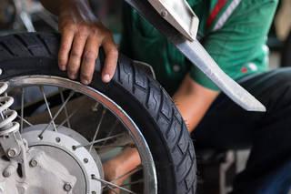 バイクのタイヤ寿命はどのぐらい?走行距離に頼らない交換タイミングを知ろう!
