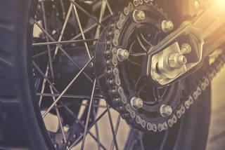 バイクチェーンの正しい洗浄方法とは?やり方と頻度を徹底解説!
